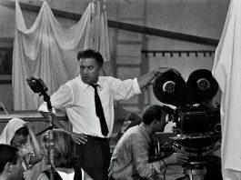 Federico Fellini sul set