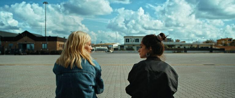 Onolulo, il sogno di due ragazze in fuga